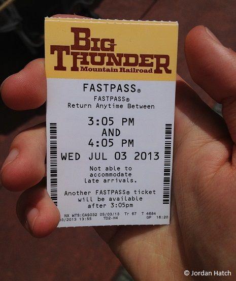 Ticket Fastpass impreso de la atracción Big Thunder de Disneyland París